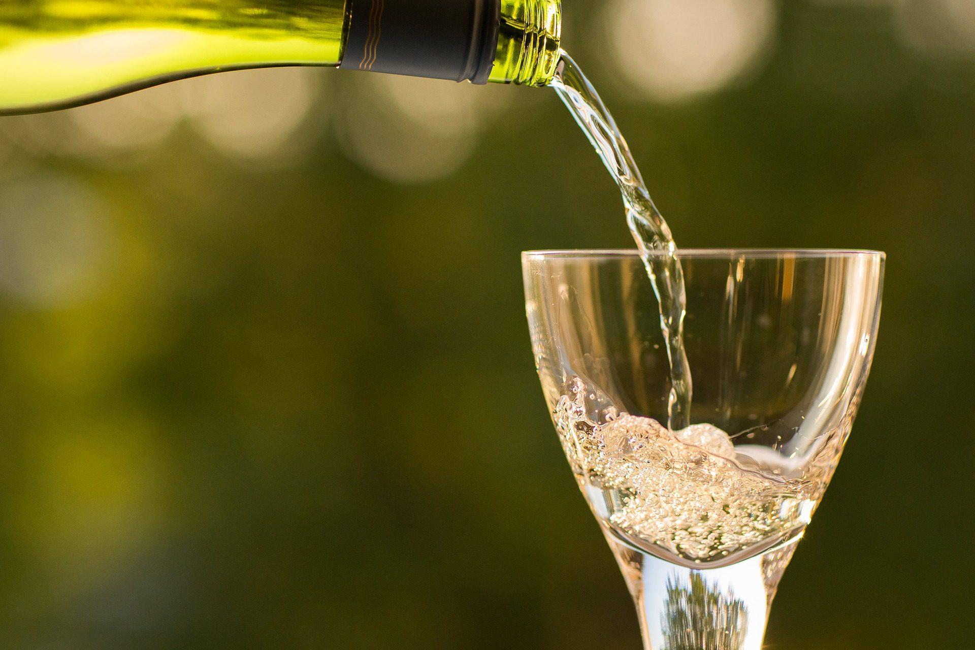 """リステルとは?【キャバクラでよく出る""""スパークリングワイン""""】"""